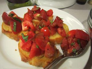Organic tomato bruschetta